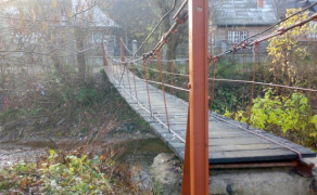 Timber for metal bridges