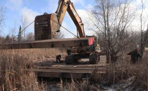 Wood panels crossing equipment